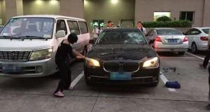 Απατημένη σύζυγος καταστρέφει την πανάκριβη BMW του άνδρα της