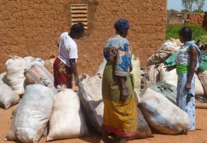 Δείτε τι κάνουν με αυτά τα σκουπίδια κάποιοι άνθρωποι στην Αφρική (3)