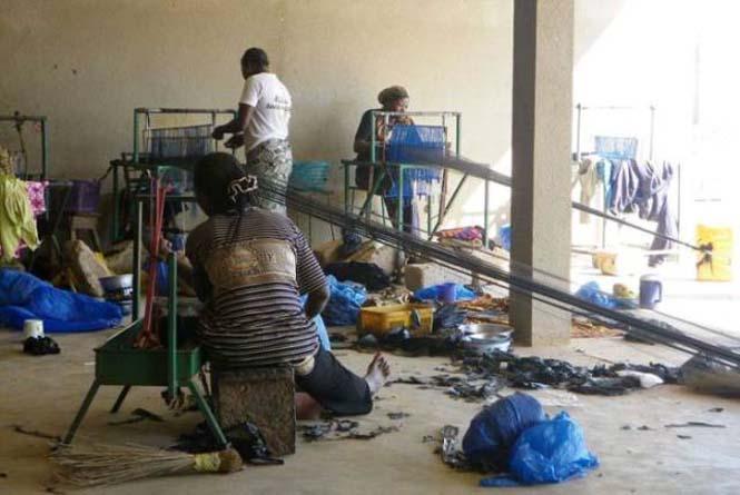 Δείτε τι κάνουν με αυτά τα σκουπίδια κάποιοι άνθρωποι στην Αφρική (10)