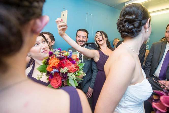 Γαμήλιο πάρτι στο ασανσέρ (6)