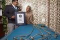 Αηδιαστικό ρεκόρ: Ινδός δεν έχει κόψει τα νύχια του από το 1952