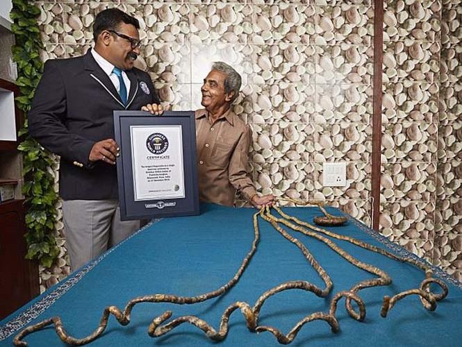Ινδός δεν έχει κόψει τα νύχια του από το 1952 (3)