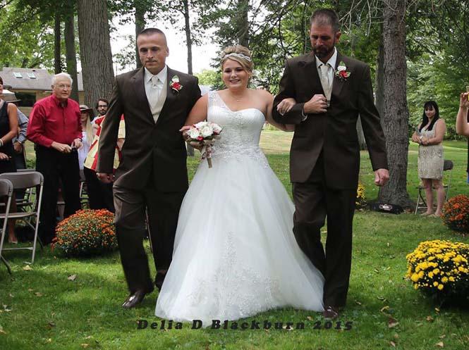Πατέρας άρπαξε τον πατριό για να παραδώσουν μαζί τη νύφη (5)
