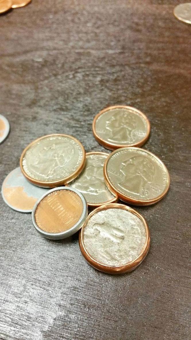 Έτσι γίνονται τα κέρματα που μένουν ξεχασμένα για χρόνια στο στεγνωτήριο ρούχων | Φωτογραφία της ημέρας