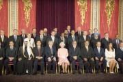 Πως θα ήταν η πολιτική αν αφαιρούσες τους άνδρες από την εικόνα (13)