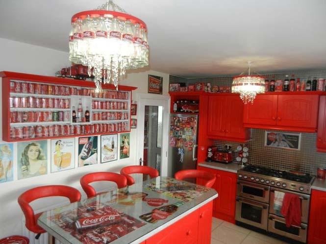 Δείτε πως έκανε το σπίτι της μια γυναίκα που τρελαίνεται για την Coca Cola (1)
