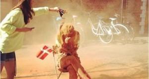 Περίεργο έθιμο στη Δανία θέλει τους 25χρονους να περιλούζονται με κανέλα