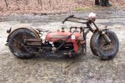Μετέτρεψε παλιό τρακτέρ σε μοτοσυκλέτα (1)