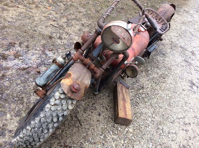 Μετέτρεψε παλιό τρακτέρ σε μοτοσυκλέτα (2)