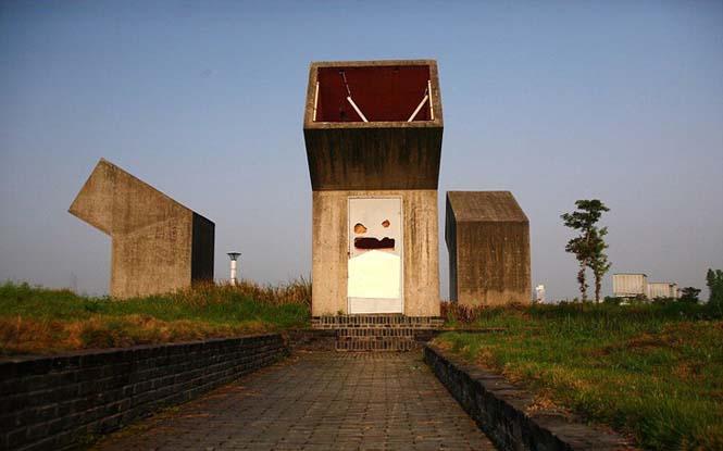 Οι πιο περίεργες τουαλέτες του κόσμου βρίσκονται αναμφίβολα στην Κίνα (5)