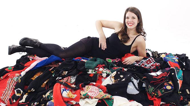1 γυναίκα, 350 άσχημα χριστουγεννιάτικα πουλόβερ
