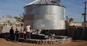Εφευρετικός αρχιτέκτονας μετέτρεψε σιλό σιτηρών σε ένα μοντέρνο μικρό σπίτι