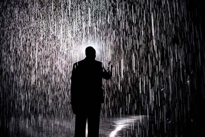 Έκθεση σας επιτρέπει να περπατήσετε στην βροχή χωρίς να βραχείτε (4)