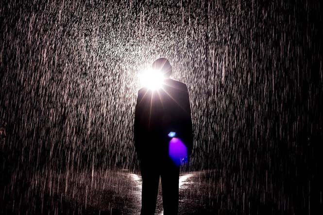 Έκθεση σας επιτρέπει να περπατήσετε στην βροχή χωρίς να βραχείτε (6)