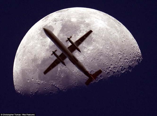 Φωτογραφίες με το Φεγγάρι που τραβήχτηκαν την κατάλληλη στιγμή (3)