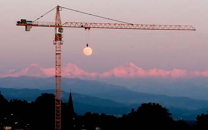 Φωτογραφίες με το Φεγγάρι που τραβήχτηκαν την κατάλληλη στιγμή (4)