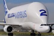 Το γιγάντιο αεροσκάφος που χρησιμοποιείται για να μεταφέρει άλλα αεροπλάνα (1)
