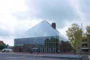 Γυάλινη 5όροφη βιβλιοθήκη στην Ολλανδία (1)