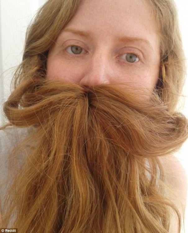Γυναίκες που μετέτρεψαν τα μαλλιά τους σε πλούσιες γενειάδες (5)