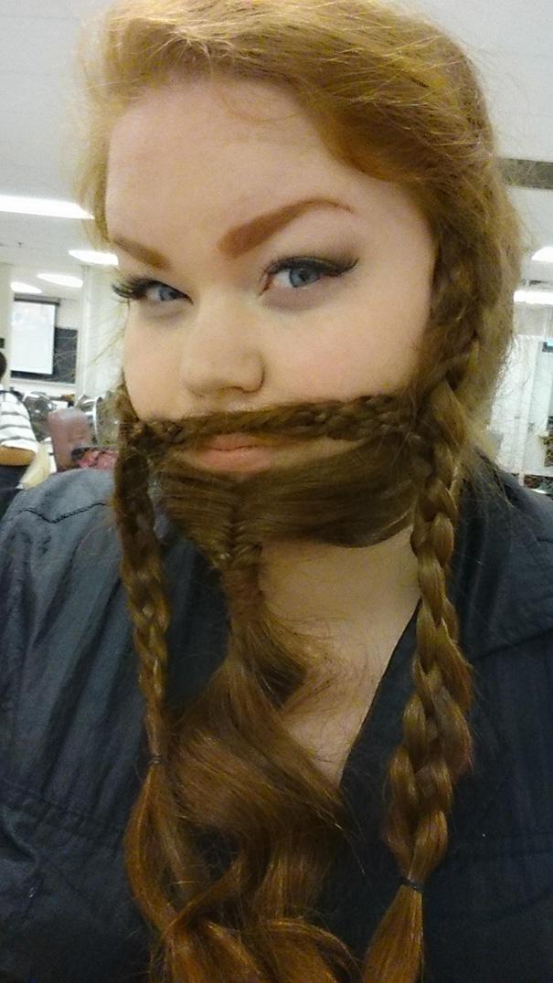 Γυναίκες που μετέτρεψαν τα μαλλιά τους σε πλούσιες γενειάδες (24)