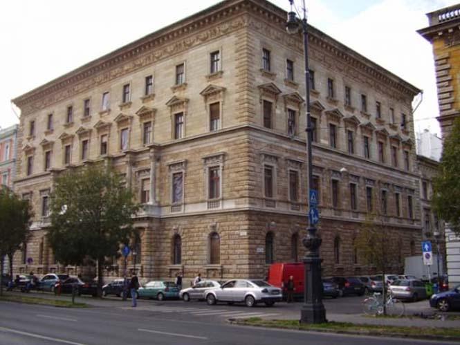 Κτήρια της Βουδαπέστης πριν και μετά τον καθαρισμό (2)
