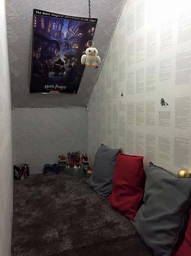 Μαμά μετέτρεψε μικρό χώρο κάτω από την σκάλα σε δωμάτιο Harry Potter (3)
