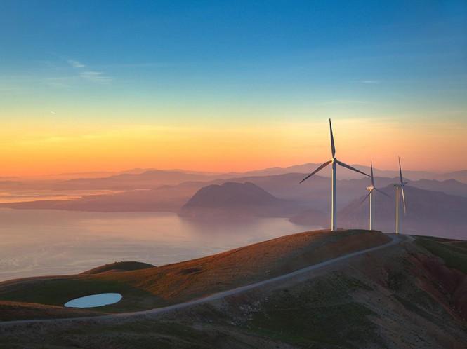 Το ηλιοβασίλεμα στο Παναχαϊκό όρος που μάγεψε το National Geographic | Φωτογραφία της ημέρας