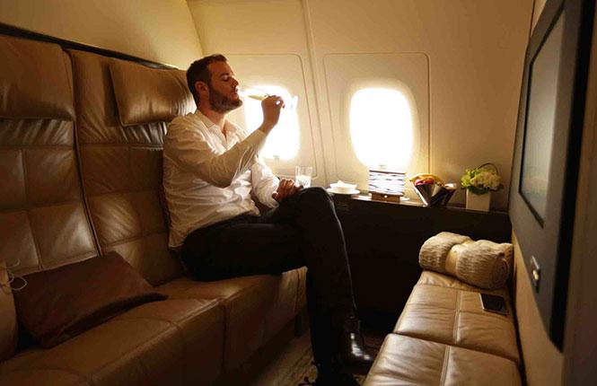 Πως είναι μια πτήση αξίας $32.000 στο Abu Dhabi