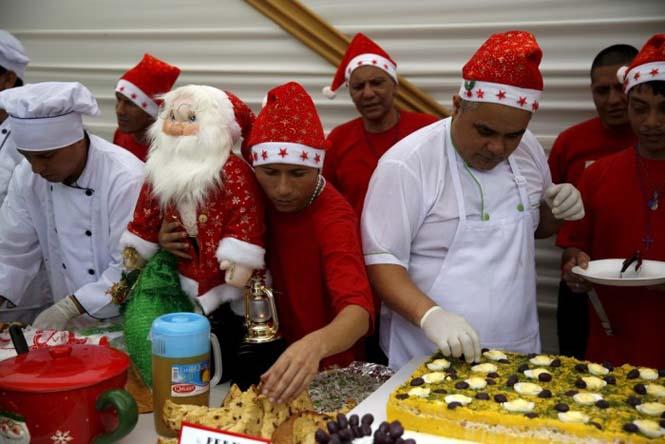 Πως γιορτάζουν τα Χριστούγεννα οι κρατούμενοι μιας φυλακής στο Περού (7)