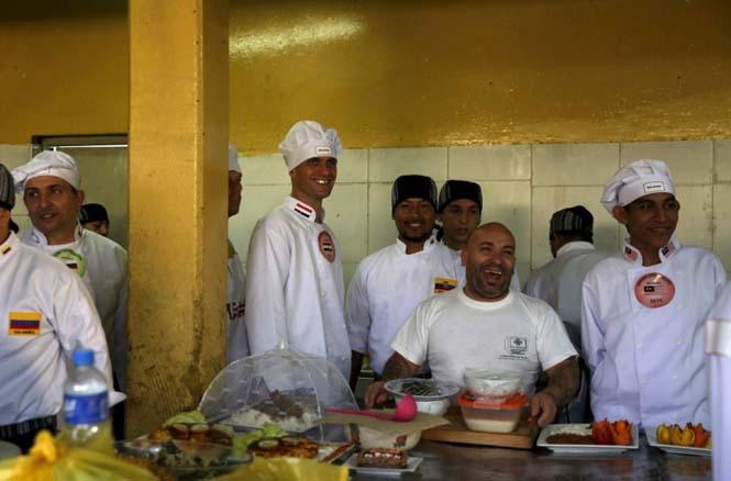 Πως γιορτάζουν τα Χριστούγεννα οι κρατούμενοι μιας φυλακής στο Περού (8)