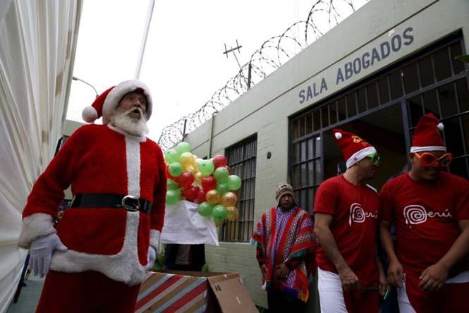 Πως γιορτάζουν τα Χριστούγεννα οι κρατούμενοι μιας φυλακής στο Περού (12)