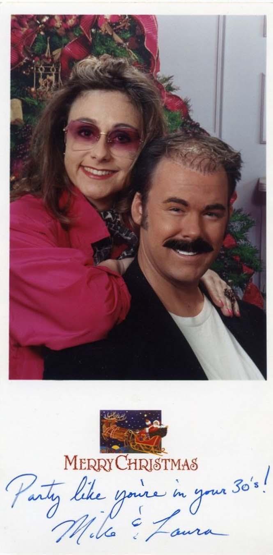 Κάθε χρόνο αυτό το ζευγάρι ετοιμάζει μια ξεκαρδιστική χριστουγεννιάτικη κάρτα (1)