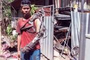 Άνδρας από την Ινδονησία έφτιαξε μόνος του βιονικό χέρι (1)