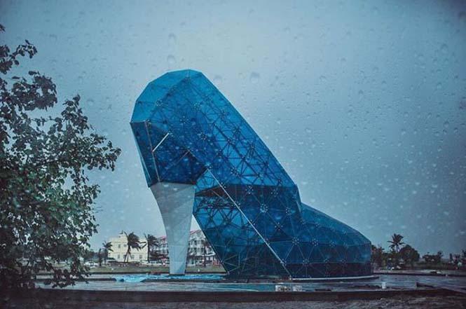 Αυτή η εκκλησία στην Ταϊβάν σχεδιάστηκε σε σχήμα παπουτσιού για έναν περίεργο λόγο (5)