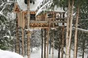 Εντυπωσιακό δενδρόσπιτο για χειμερινές αποδράσεις (1)