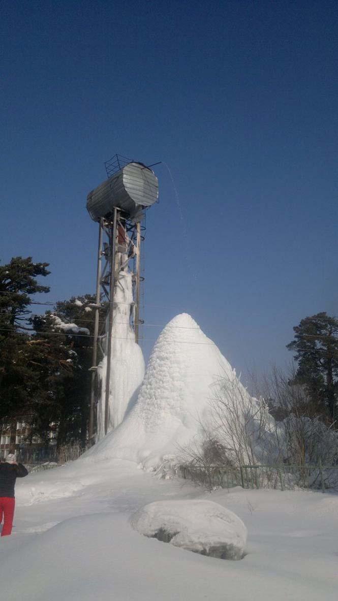 Κάποιος ξέχασε να κλείσει τον πύργο νερού και δείτε τι συνέβη... (2)