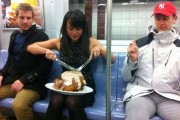 Παράξενες και κωμικοτραγικές φωτογραφίες στα μέσα μεταφοράς #11 (1)