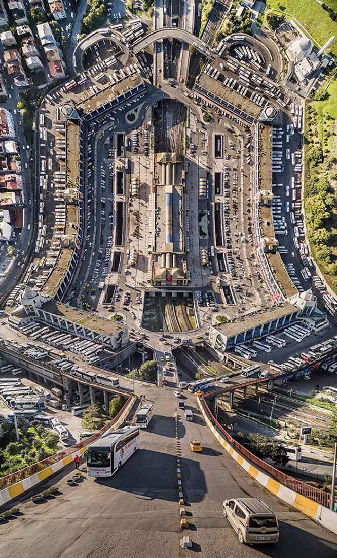 Καλλιτέχνης μετατρέπει φωτογραφίες της Κωνσταντινούπολης σε τοπία βγαλμένα από το Inception (2)