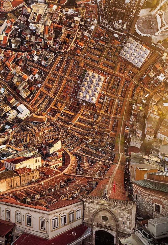 Καλλιτέχνης μετατρέπει φωτογραφίες της Κωνσταντινούπολης σε τοπία βγαλμένα από το Inception (5)