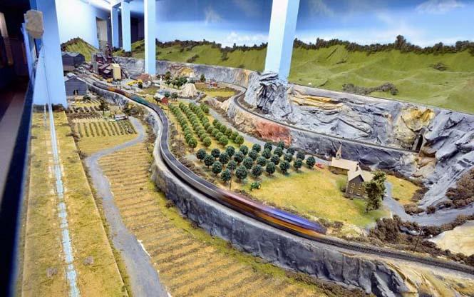 Ο μεγαλύτερος σιδηρόδρομος μοντελισμού στον κόσμο (7)