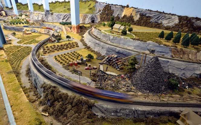 Ο μεγαλύτερος σιδηρόδρομος μοντελισμού στον κόσμο (11)