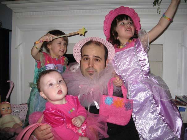 Μπαμπάδες που άφησαν τις κόρες τους να τους κάνουν όμορφους (16)