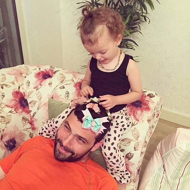 Μπαμπάδες που άφησαν τις κόρες τους να τους κάνουν όμορφους (19)