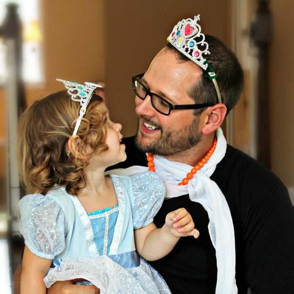 Μπαμπάδες που άφησαν τις κόρες τους να τους κάνουν όμορφους (29)