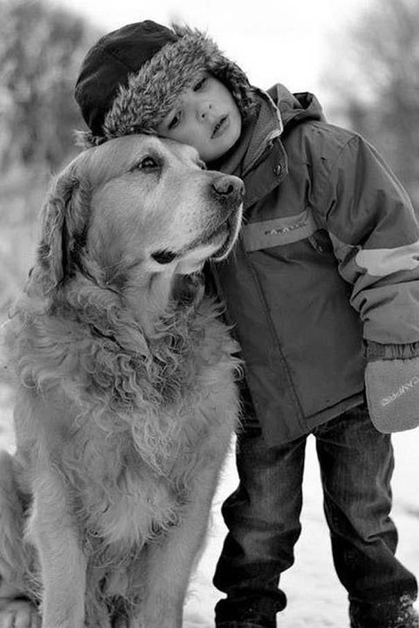Μωρά και σκύλοι σε αξιολάτρευτες φωτογραφίες (17)