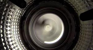 Η οπτική από το εσωτερικό ενός πλυντηρίου ρούχων (Video)