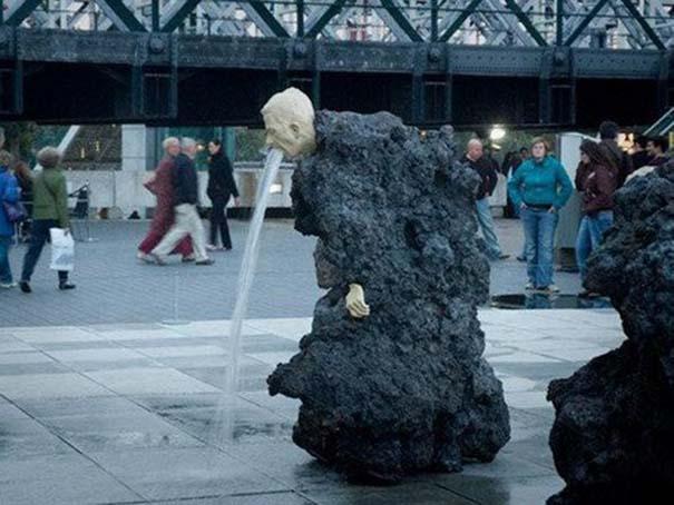 Παράξενα γλυπτά & αγάλματα #17 (7)