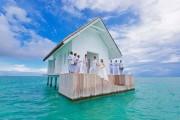 Το τέλειο σπιτάκι για έναν εξωτικό γάμο πάνω στο νερό (1)