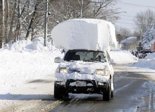 Φωτογραφίες που καταγράφουν την τρομακτική χιονοθύελλα που πλήττει τις ανατολικές ακτές των ΗΠΑ (9)