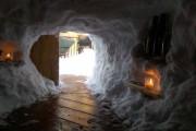 Η χιονοθύελλα του έδωσε την ευκαιρία να φτιάξει ένα Igloo στην αυλή του (3)